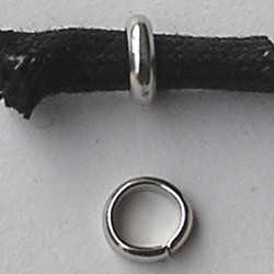 Aanbuigringetjes Schakel 7 mm. Voor koord 5mm. Zilverkleurig. Hoogwaardige kwaliteit. Per 10