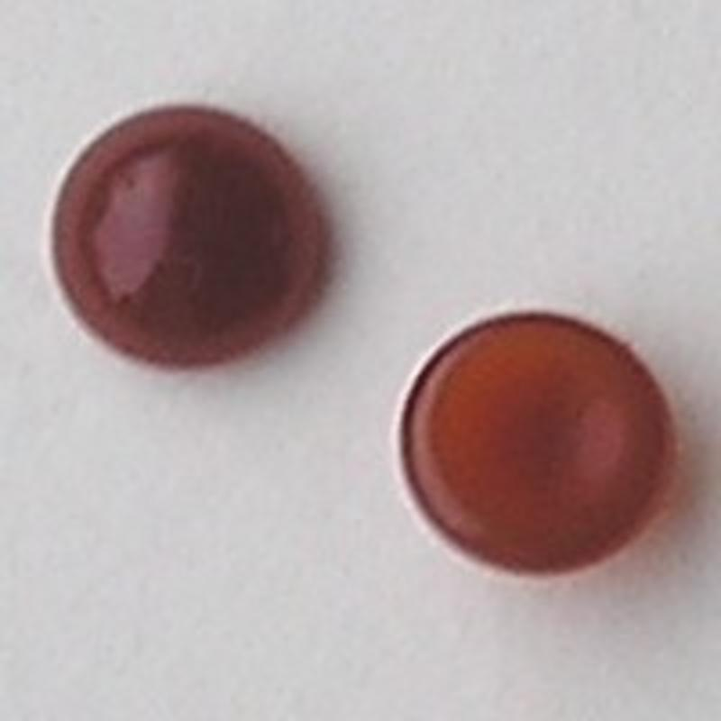 Cabochon 8mm. Brown Opal. Glas Rond.