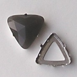 Rijgkastje 2 gaats. Driehoekig. 24mm. Zilverkleurig. Voor cabochon 25x25x25mm.