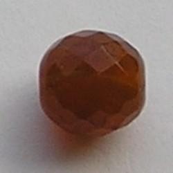 Facet geslepen Glaskraal. Bruin opal. 6mm. Tsjechisch.