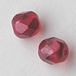 Berry Red Special Luster. Facetgeslepen Glaskraal. 6mm.