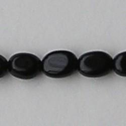 Black Onyx. Kraaltje. Ovaal. 6x8mm.