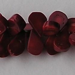 Bamboe Koraal. Driehoekige Kraaltjes.ca. 16mm. 1 streng a 37cm