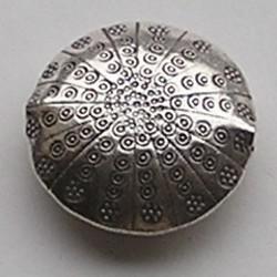 Zilveren Bewerkte Kraal. 34mm. Dubbelzijdig, Rond en pastillevormig.