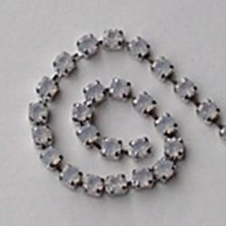 Strassband. 3mm. White opal Hoogwaardige kwaliteit. Per 10 cm.