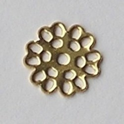 Filligrain plaatje. Gaatje in het midden. Goudkleurig. 15mm. Brass.