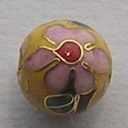 Geel/Gouden Cloissonee Kraal. 10mm. Met Roze Bloem.