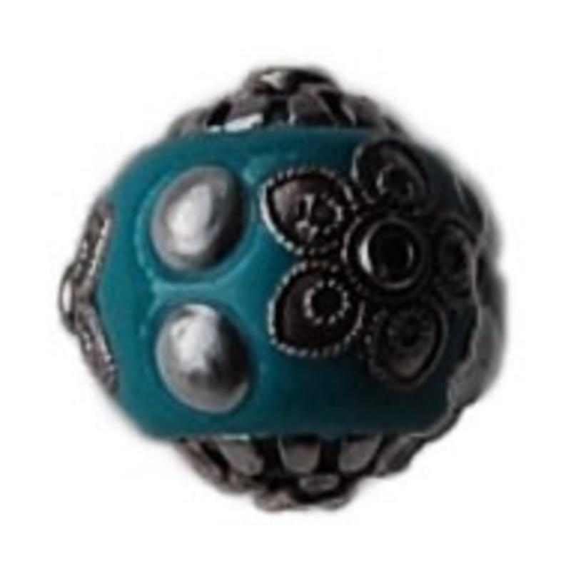 Kashmiribead. 18mm. Aqua zilver.