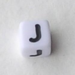 Letter Acrylkraal. Kubus. 6x6mm. Wit met zwarte letter J.