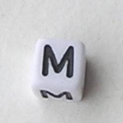 Letter Acrylkraal. Kubus. 6x6mm. Wit met zwarte letter M.
