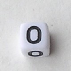 Letter Acrylkraal. Kubus. 6x6mm. Wit met zwarte letter O.