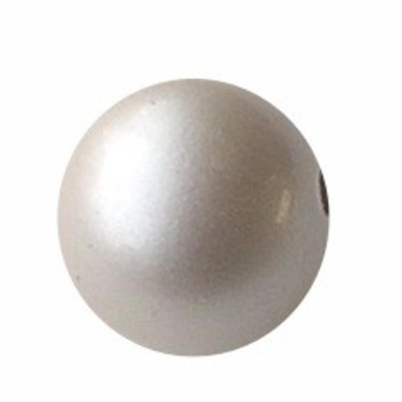 Designers kwaliteit Resinkraal. 18mm. Rond. Shiny Pearl Cream