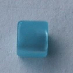 Polariskraal Vierkant. Shiny 8x8mm. Lightblue.