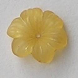 Lucite flower. 12mm. Rijggat in het midden. Kunststof bloemetje Geel mat.