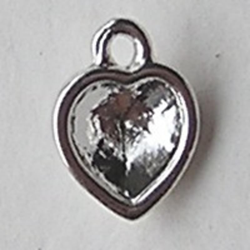 Bedeltje voor Swarovski hartje 6mm. Silverplated. 8x11mm.