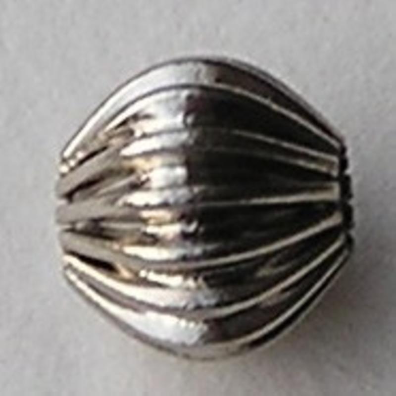 Brass. Geribbelde metalen kraal. Oudzilverkleurig. 7mm.