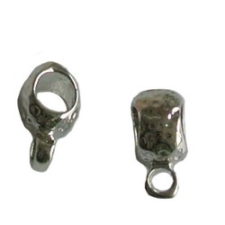 Metalen kraal met oog. Hoogw. kwal. 6x12mm. Zilverkleur.