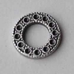 Ornamentje. 14mm. Rond en Plat voor 12 Swarovski similisteentjes 1.5mm. Mat zilverkleurig Hoogwaardige kwaliteit