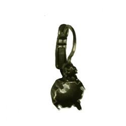 Klapoorhaak voor een 3mm simillisteen en een ss39 Swarovskisteen . Brass. Bronskleurig.