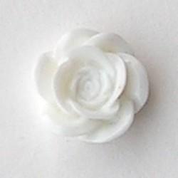 Kunststof bloemetje met platte onderkant. Off White. 19mm.