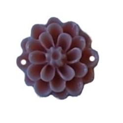 Kunststof bloemetje met platte onderkant. Light Coral. 14mm. Cabochon 2 gaats. Per stuk voor.