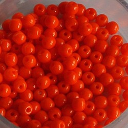 Glaskraal. 3mm. Rond. Opaque Oranje. 100 stuks voor.