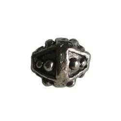 Metalen kraal. Bewerkt konisch. 8mm. Zilverkleurig.