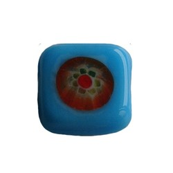 Glasperlen-Fantasie aqua 13mm Quadrat flach.