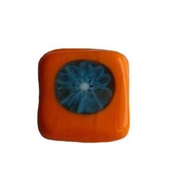 Glaskraal fantasie oranje vierkant plat 13mm.