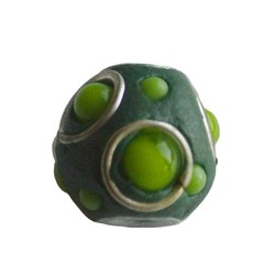 Kashmiribead. 15mm. Green with big hole.