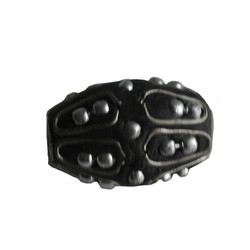 Kashmiribead 13x22mm. Black with silver big hole.