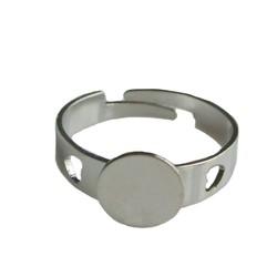 Verstelbare Ring. dia 17mm met plaatje 8mm. Zilverkleurig.