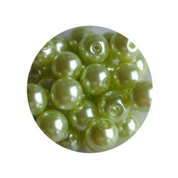 Glass Pearl 6mm light green 100 pieces