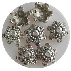 Kraalkapje bewerkt 12mm. Zilverkleurig