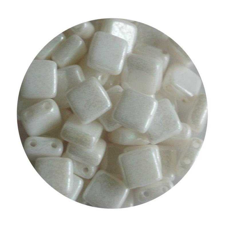 2 Hole Square Beads 6x6mm. Parelmoer wit