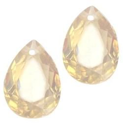 Facetgelepen drop-shaped pendant 10x14mm Lt Topaas Opal