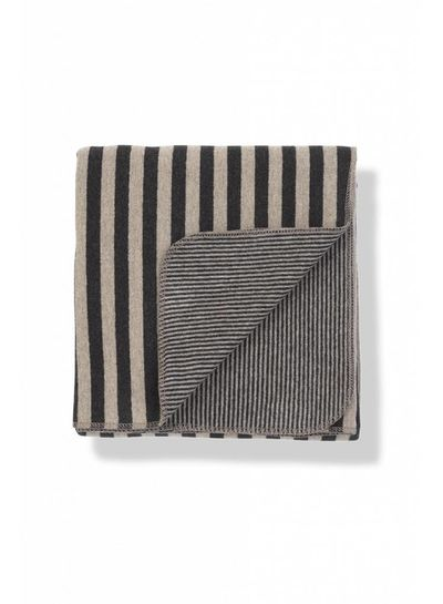 1 + More in the Family Laia Blanket Anthracite
