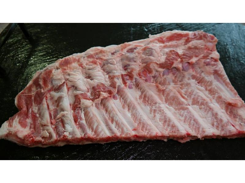 SPARERIBS ST. LOUIS CUT / BBQ RIBS MIT RIB TIPS