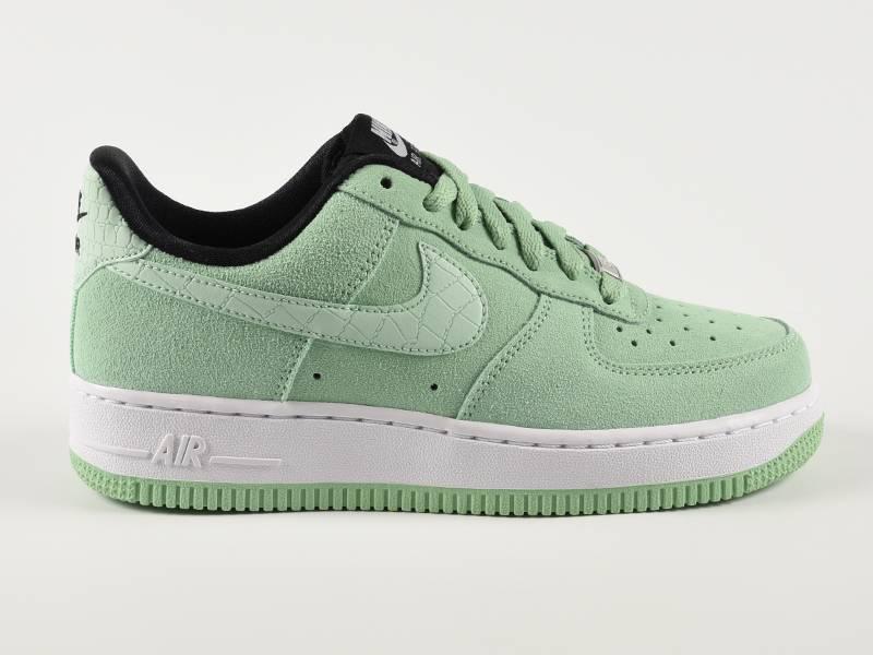 Nike Air Force Groen Suede