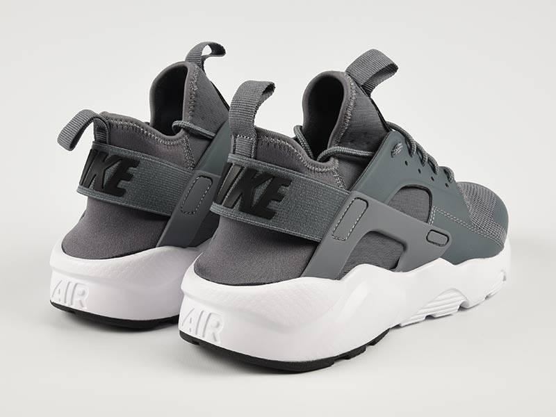 Nike Huarache Ultra Run Grey