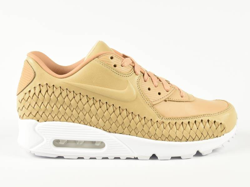 Air Max 90 Woven On Foot