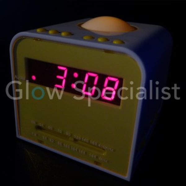 AM/FM ALARM CLOCK RADIO WITH NIGHT LIGHT
