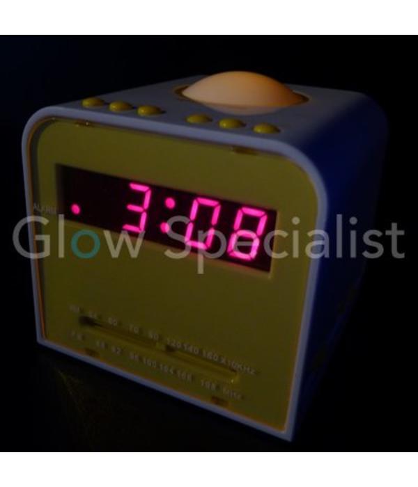 AM / FM ALARM CLOCK RADIO WITH NIGHT LIGHT
