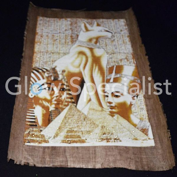 Glow in the dark Papyrus - Egyptian cat / Tutankhamun