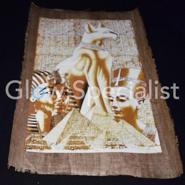 Glow in the dark Papyrus - Egyptian cat / Tutankhamun