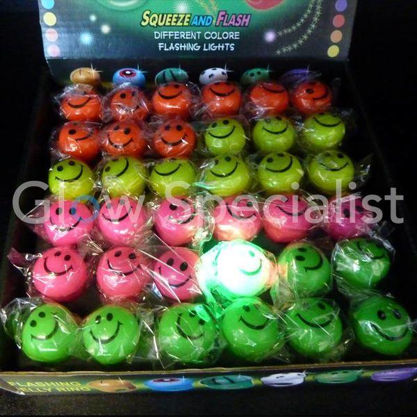 LED SMILEY RINGS DISPLAY BOX 36 STUKS