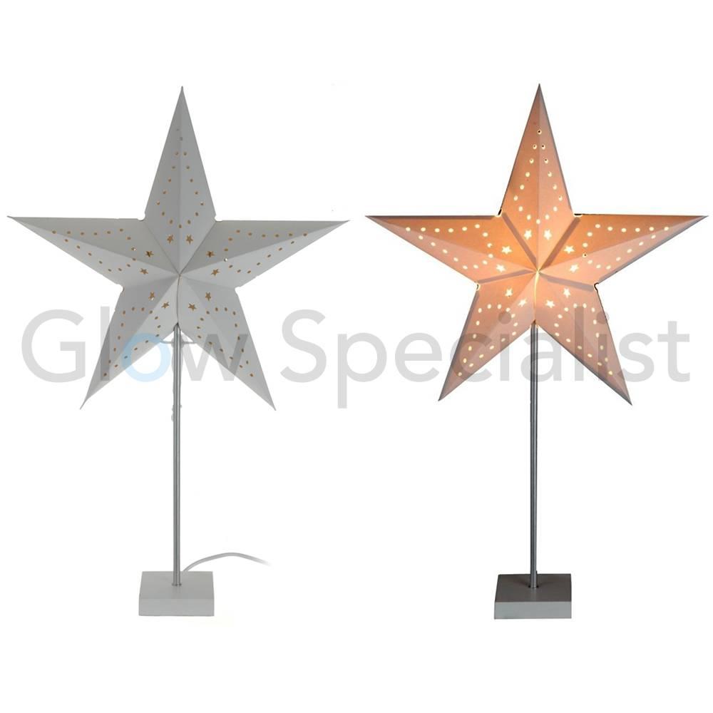 https://static.webshopapp.com/shops/059317/files/112436873/kerstster-met-verlichting-op-metalen-voet.jpg