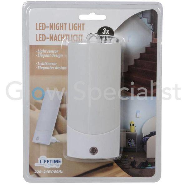 LED STEKKER NACHTLAMP MET LICHTSENSOR - 3 LED