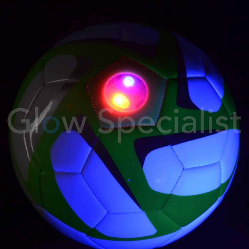 UV VOETBAL MET LED VERLICHTING - koop je bij Glow Specialist - Glow ...