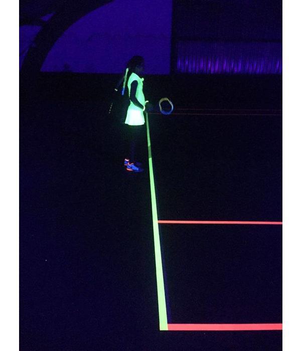 - Glow Specialist 1-BAANS BASIS NEON TENNIS PAKKET